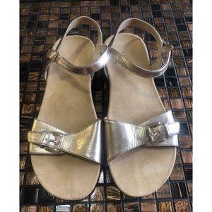 Gold Vionic Strappy Sandal Size 9